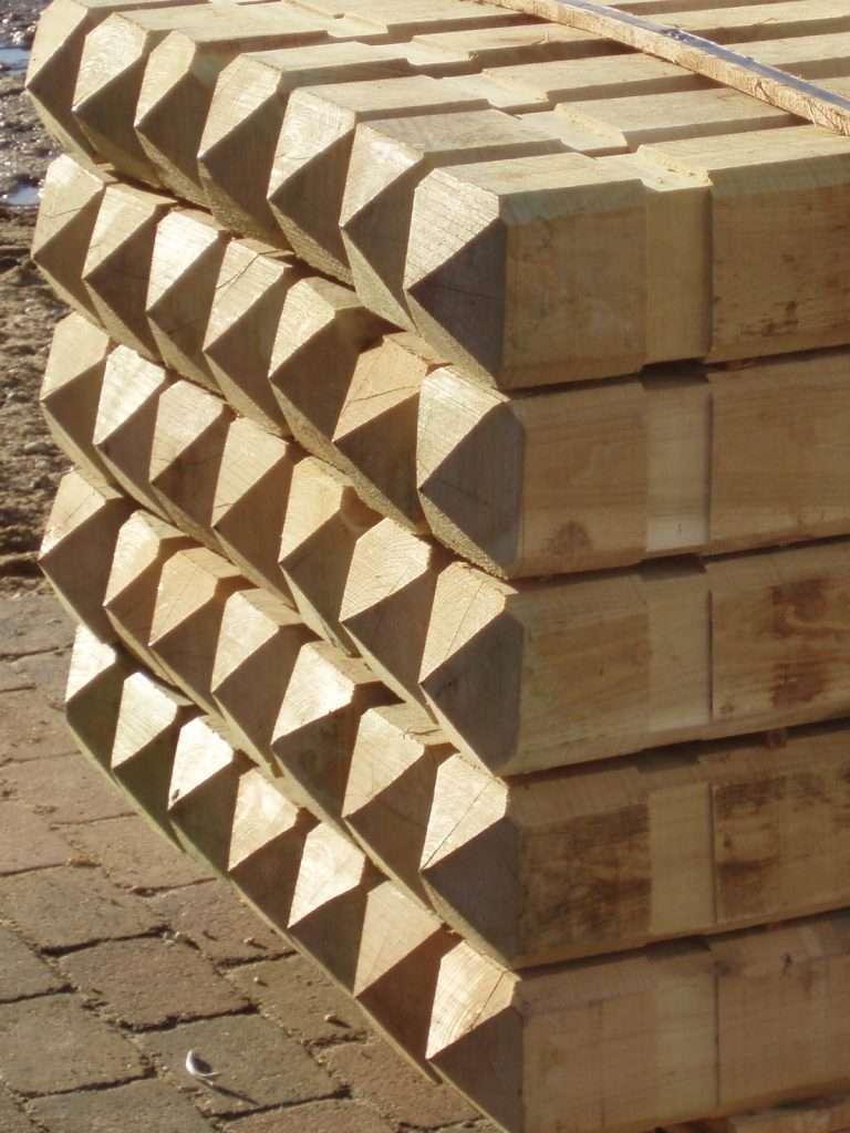 robinie stolper med spids